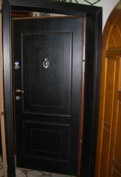 Блиндирани врати 1