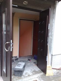 Входни Врати 14