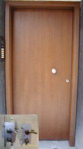 Фурнировани Метални Врати с каса по зида – модел К4 (едностранна брава)